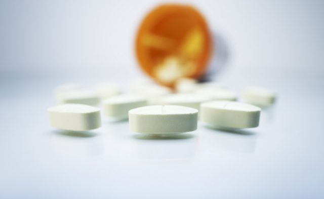Mortality risk during and after opioid substitution treatment