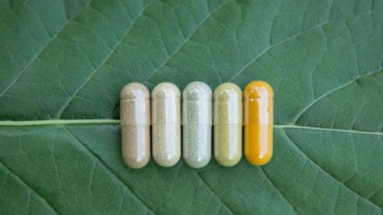 Alternative-Medicine_SS_726603928