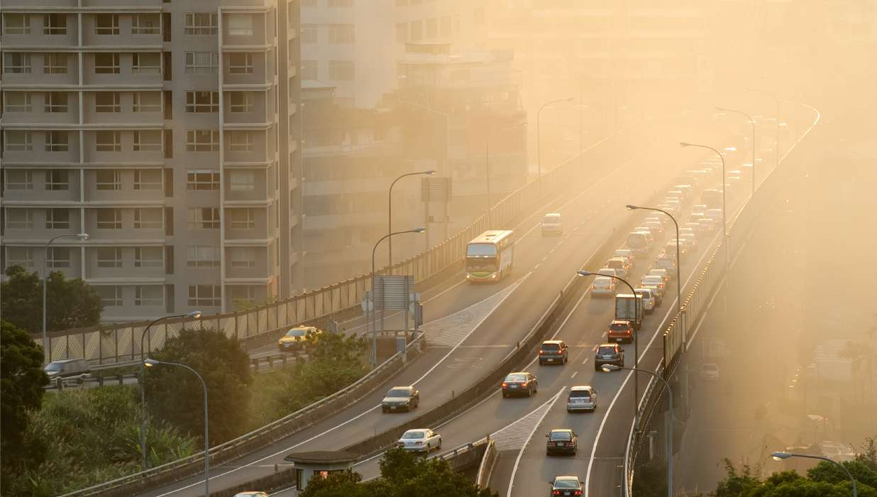 Traffic Related Air Pollution Linked To >> Traffic Related Air Pollution Associated With Changes In Right