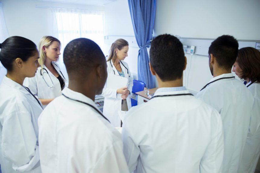 Medical students, doctors, hospital room